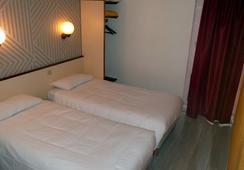 ホテル クロクス カーン メモリアル - カーン - 寝室