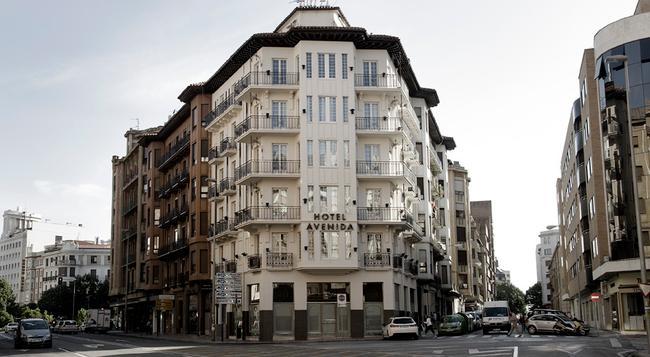 ホテル アベニーダ - パンプローナ - 建物