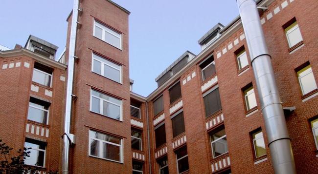 アカマ ホテル & ホステル クロイツベルク - ベルリン - 建物