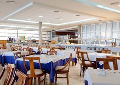 ホテル シンベル - ベニドーム - バー