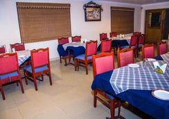 Hotel Akshaya - ヴィシャーカパトナム - レストラン