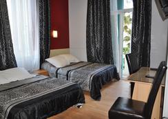 ホテル カルローネ - ニース - 寝室