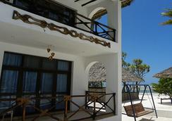 African Sun Sea Beach Resort & Spa - ザンジバル - 建物