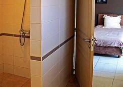 オテル レストラン ラ リボーディエール - アンタナナリヴォ - 浴室