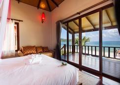 Pingchan Beachfront Resort - Ko Pha Ngan - 寝室