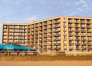 Surfbreak Oceanfront Hotel