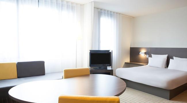 ノボテル スイート パリ モントルイユ ヴァンセンヌ - パリ - 寝室