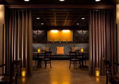 ホテル デカ - シアトル - レストラン