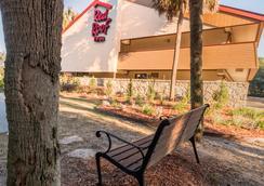 Red Roof Inn Tallahassee - University - タラハシー - 屋外の景色