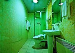 カイザー ホテル - ウランバートル - 浴室