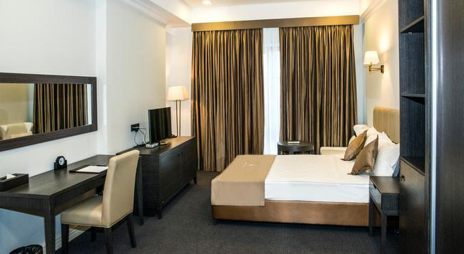 Ambassador Hotel - ビシュケク - 寝室